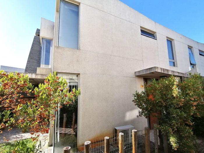 ¡Venta con Renta Casa de 3 Dormitorios en Barrio Cerrado Greens Garden Houses!