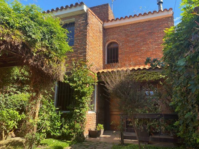 ¡Casa 4 dormitorios Carrasco Norte!