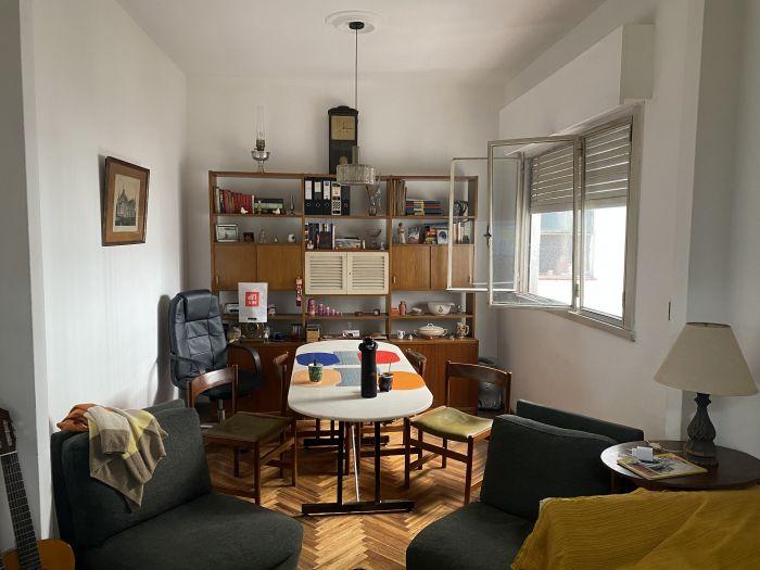 Venta apartamento 2 dormitorios + servicio en Pocitos