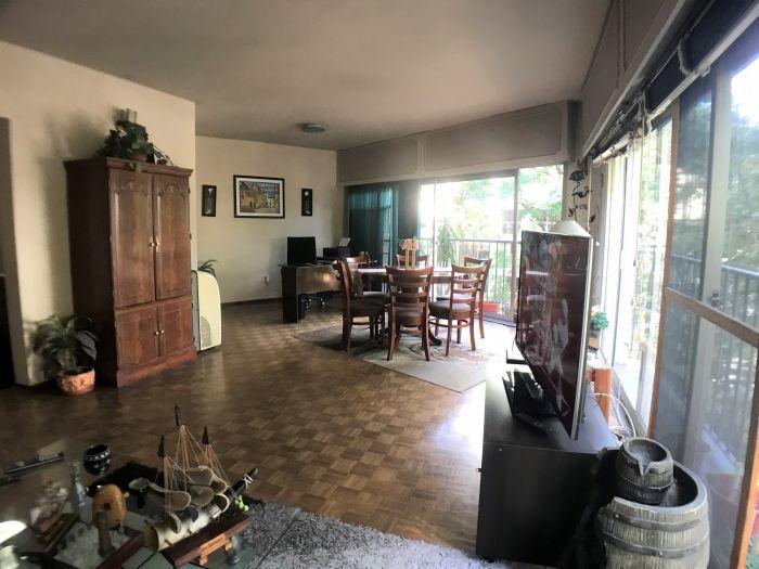 Apartamento 3 Dormitorios 3 Baños y Garaje Pocitos