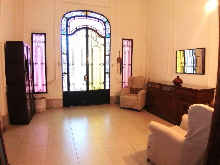 Casa de estilo en Cordón 3 dormitorios y patio de 100 m2