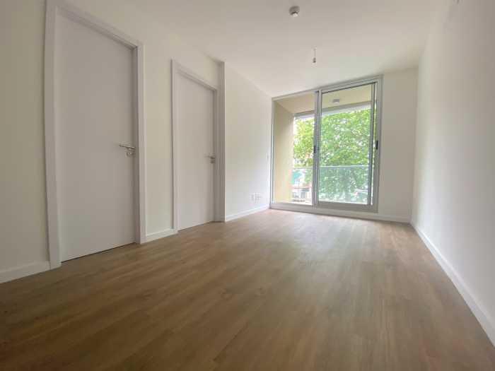 Apartamento en alquiler 1 dormitorio al frente Torres Oliva