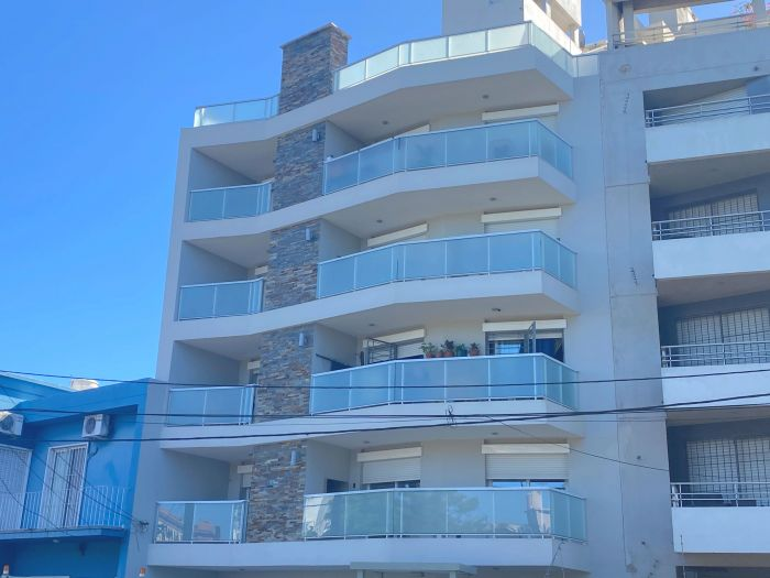 Venta! Apartamento De 1 Dormitorio Con Parrillero En Buceo!