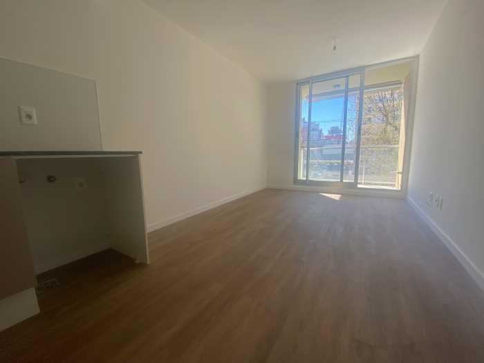 Apartamento en alquiler al frente 1 dormitorio Torres Oliva
