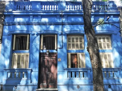 Casa 2 Dormitorios Con Terraza Y Parrilero En Parque Rodo