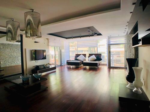 Venta Apartamento 3 Dormitorios Y Servicio. 2 Garaje.