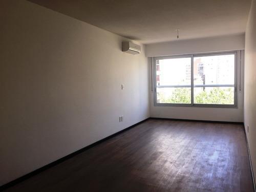 Apartamento En Venta 1 Dormitorio En Pocitos.