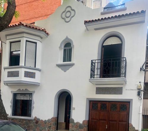 Venta! Casa En Pocitos 3 Dormitorios, Gran Terraza Y Garaje!