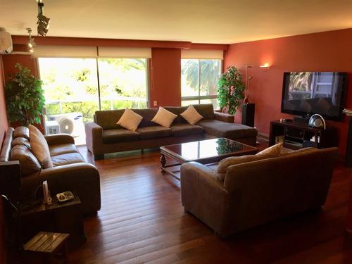 Apartamento En Venta Frente Al Golf, Punta Carretas