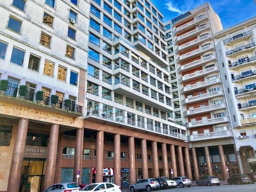 Oportunidad! Alquiler De Oficina En Piso 12. Plaza Mayor.