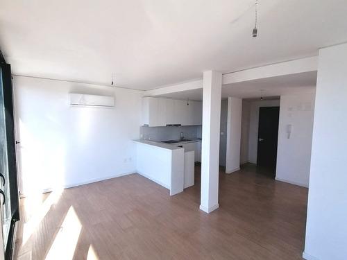 Venta Apartamento 4 Dormitorios, En Centro Sur, Alma Corso!