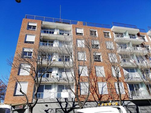 Venta Apartamento De 2 Dormitorios A Estrenar En Tres Cruces