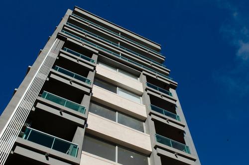 Venta Con Renta! 3 Dormitorios Y Garaje En Parque Batlle!