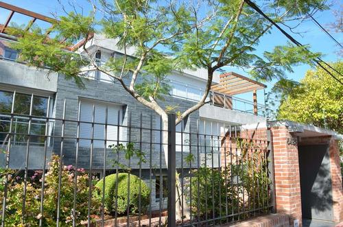 Venta con renta de apartamento de 3 dormitorios en Carrasco