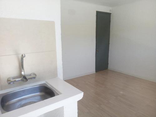 ¡Venta con renta de apartamento 1 dormitorio en Cordón!