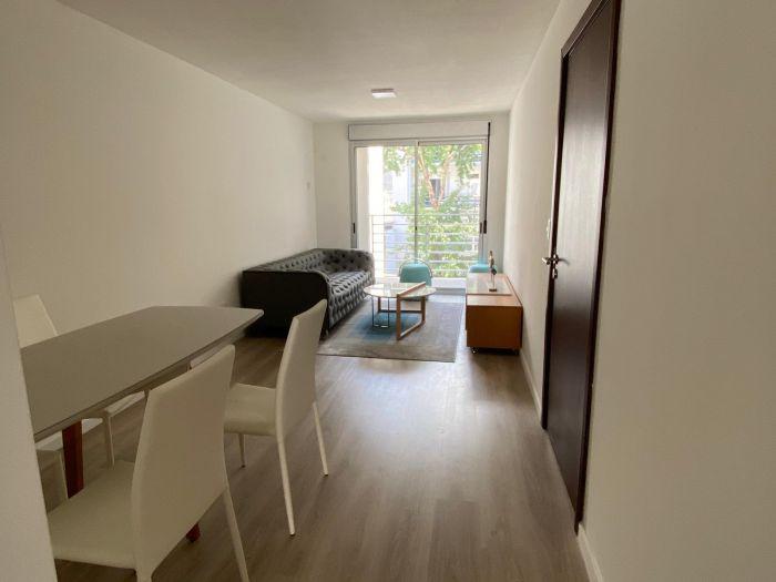 Venta Apartamento De 2 Dormitorios Pocitos Marina 26 II