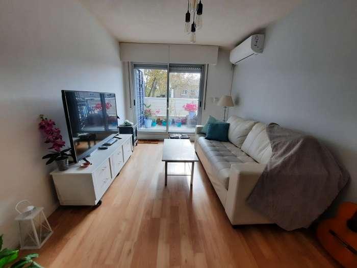 Venta apartamento 2 dormitorios, terraza al frente, Pocitos
