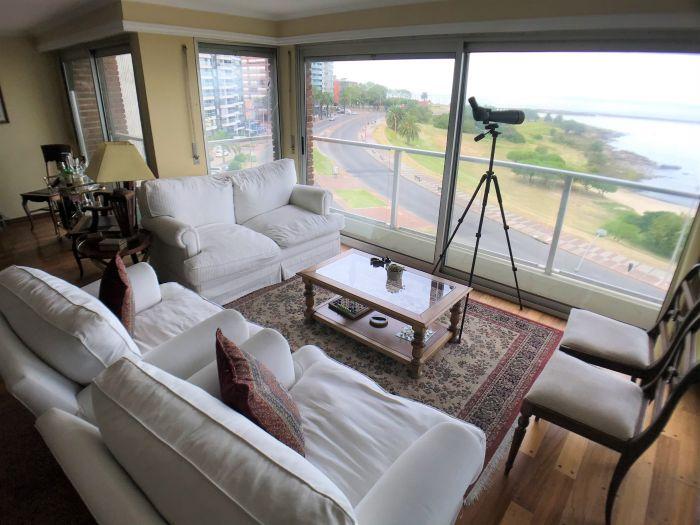 Apartamento 4 Dormitorios Escritorio Servicio Completo y Garaje Puerto Buceo