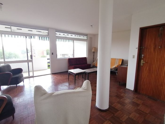 ¡Venta de apartamento de 3 dormitorios y garaje en Pocitos Nuevo!