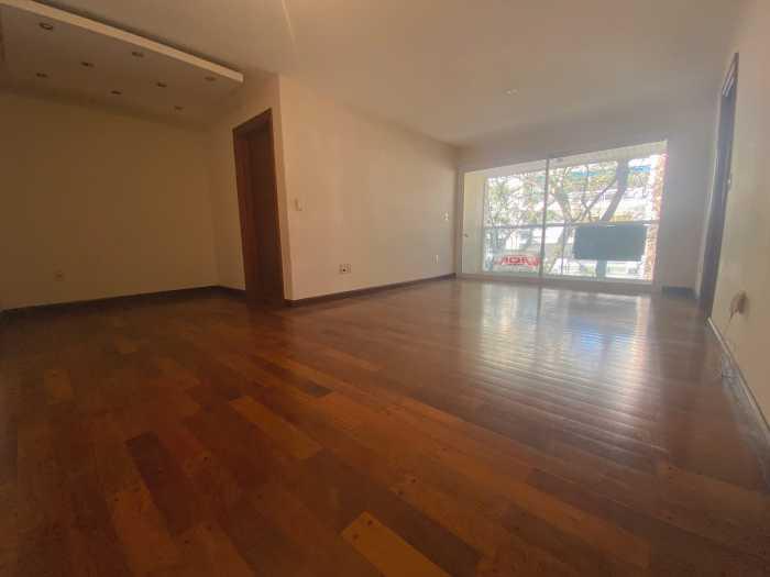 Venta de 3 Dormitorios y garaje en Punta Carretas